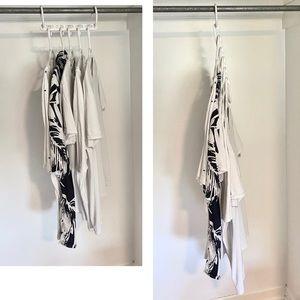 Wonder Hanger • 6 space saving hangers!